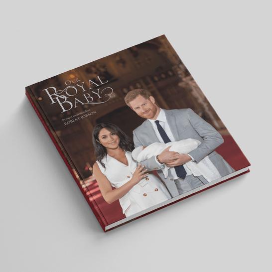 """In de pagina's van het boek """"Our Royal Baby"""""""